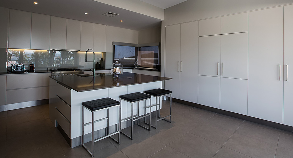 Lovely Beachside Kitchens   Central Coast